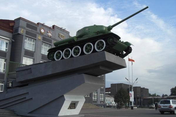 Танк участвовал в боях с 1943 года, а с 1972 стоит на пьедестале