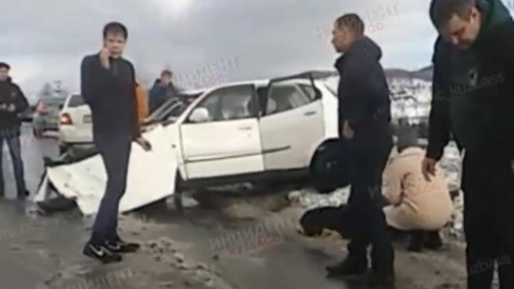 В Шерегеше в жестком ДТП пострадали три человека. Среди них — маленький ребенок