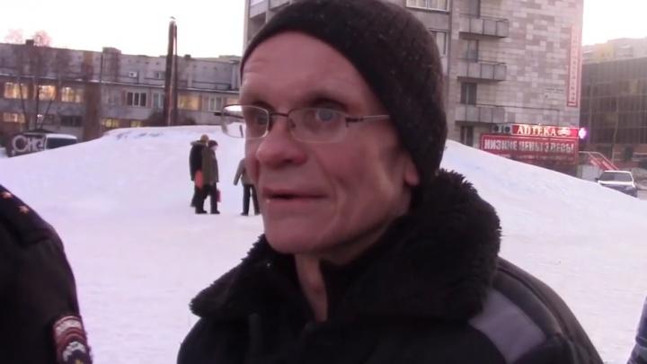 Перескочил через прилавок и ударил: видео признания обвиняемого в убийстве продавщицы в Архангельске