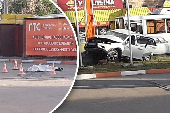 Свидетели происшествия вытащили мужчину из авто
