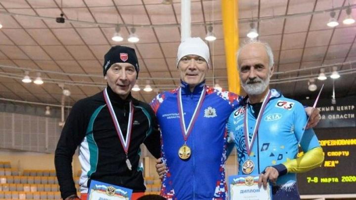 55-летний конькобежец из Архангельской области поставил рекорд на всероссийском турнире