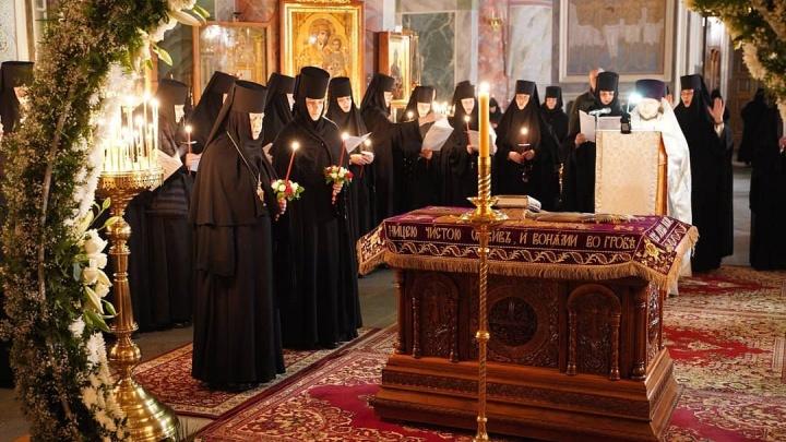 Мелик-Гусейнов призвал не верить фейкам о насильственном лечении от COVID-19 дивеевских монахинь
