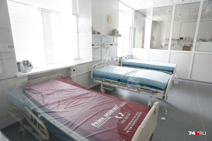 В лечебном корпусе условия проще, зато реанимация оборудована достаточно современно