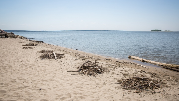 В Советском районе рядом с пляжем «Звезда» мужчина скончался при выходе из воды