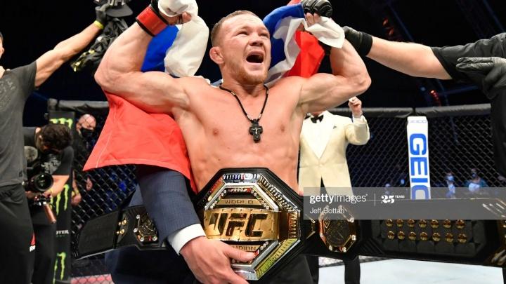 Повторил успех Хабиба: уральский боец Пётр Ян стал новым чемпионом UFC