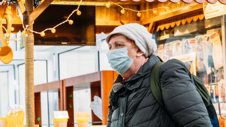 Парада не будет, а вот медцентр рядом с мэрией уже достраивают: хроника коронавируса
