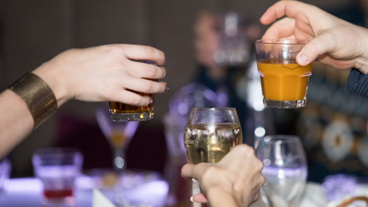 «Я не думал, что такая мелочь вызовет такой резонанс»: организатор вечеринки в баре пришел в полицию