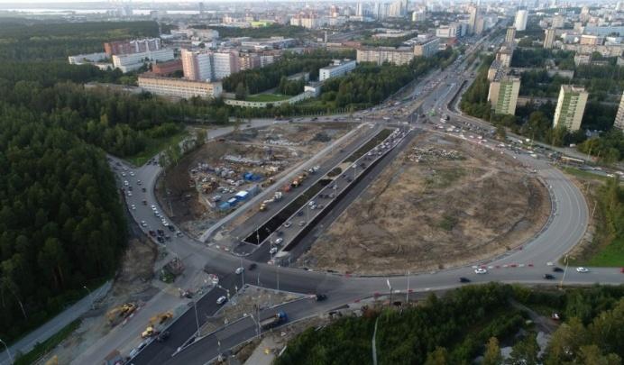 Министр транспорта рассказал, когда закончат реконструкцию развязки на Серафимы Дерябиной