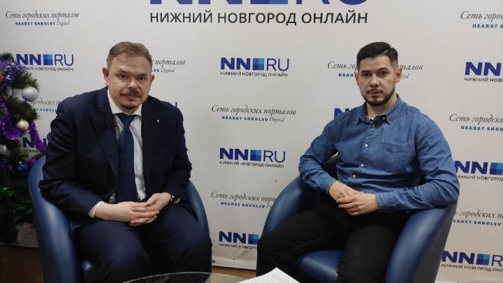 NN.RU в прямом эфире с министром образования: сколько еще школам сидеть на дистанте