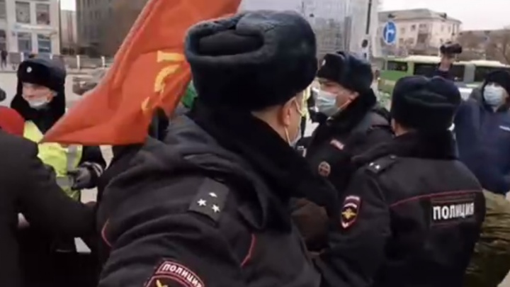 На тюменских коммунистов составили три протокола после празднования годовщины Октябрьской революции