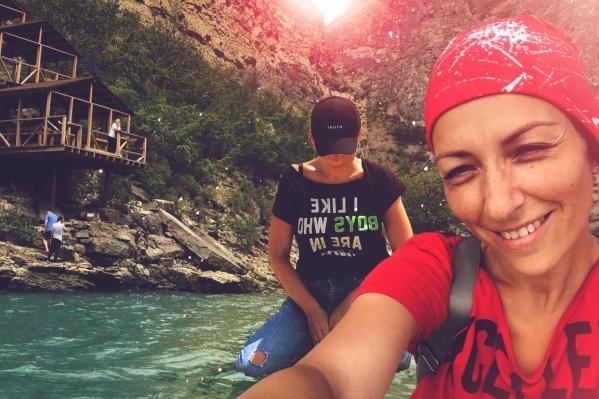 Тюменская актриса театра, впервые побывавшая в Дагестане, приятно удивлена доброжелательностью местных жителей. А еще Диана Быстрицкая говорит, что это один из самых удивительных (и бюджетных) отпусков в ее жизни