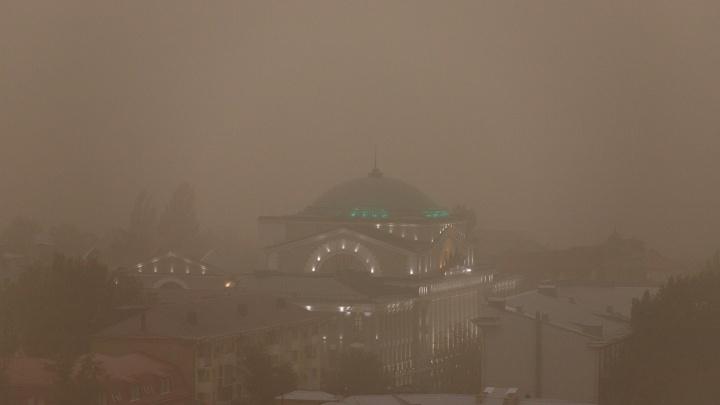 Как образовалась пылевая буря, которая накрыла Ростов. Отвечают экологи