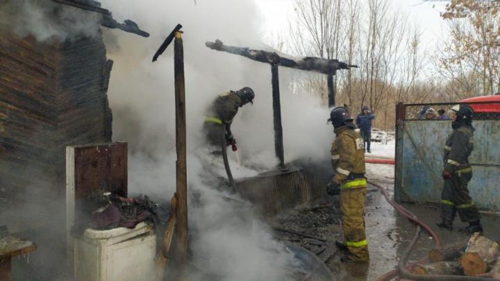 На Дону в пожаре погибли две маленькие девочки