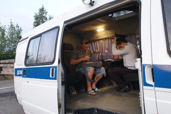 В выходные работники СТО напали на нашего оператора, снимавшего пожар. Инцидент у некоторых не вызвал сочувствия