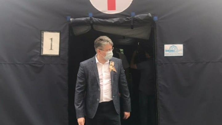 «На перспективу»: в Кузбассе открыли первый мобильный госпиталь для больных коронавирусом