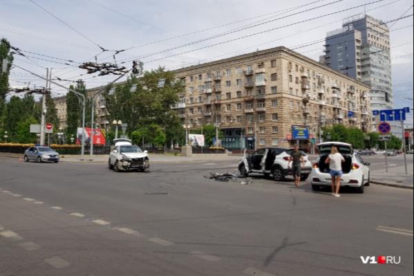 В аварии пострадали двое детей, ехавших в Renault