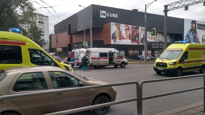 Очевидцы: на Московском шоссе в Самаре скорая сбила человека
