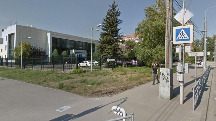 Бизнес семьи олигарха Качмазова выселили из здания на улице Мичурина