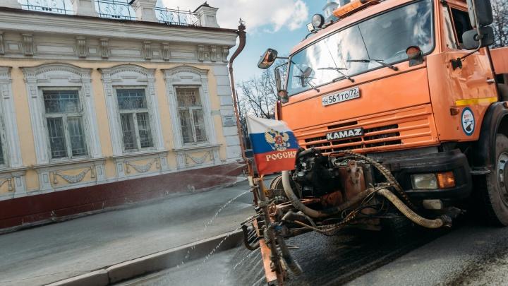 Главные дорожники области получили 25 миллионов на дезинфекцию тюменских улиц из-за коронавируса