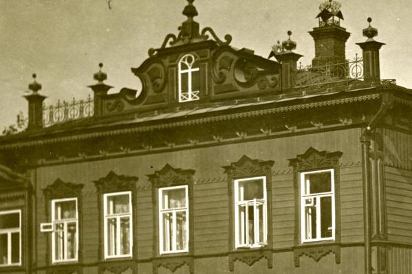 Так дом выглядел раньше и мог бы выглядеть сейчас, если бы чиновники лучше заботились о внешнем облике Уфы