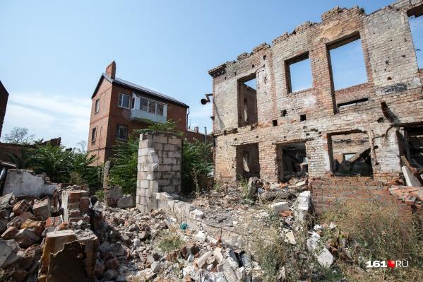 На месте руин появятся дорога и Театр кукол