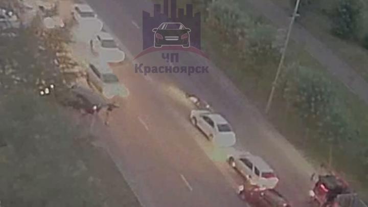 В Красноярске сбили двух пешеходов, один погиб