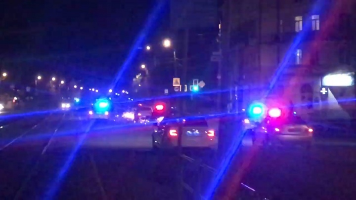 Восемь экипажей и искры из-под колёс: полиция устроила погоню за пьяным челябинцем на Mitsubishi