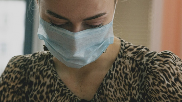 В Котласе госпитализировали девушку с подозрением на коронавирус