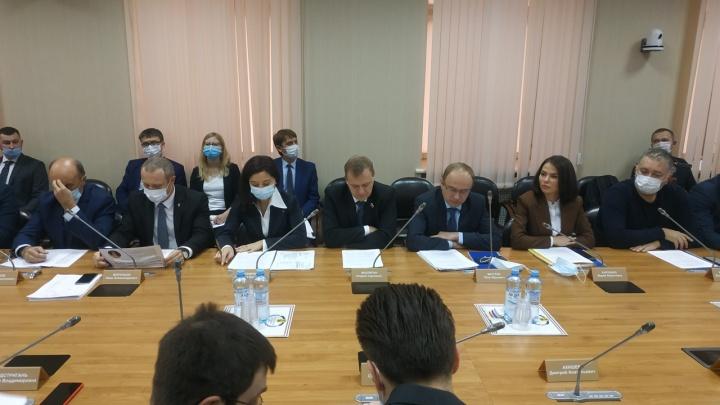 Депутатам — меньше, школам — больше: какие изменения приняты в бюджет Архангельска