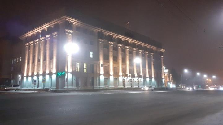 Новосибирск снова окутал густой утренний туман — фото для тех, кто пропустил