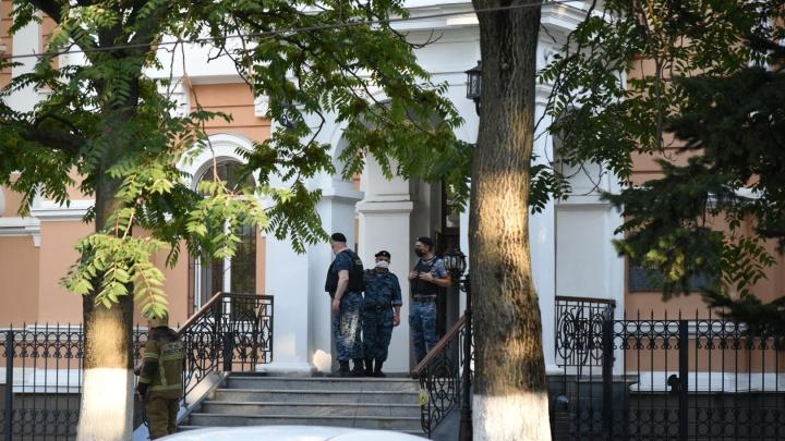 В Ростове эвакуировали три суда