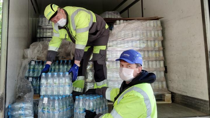 Пивзавод «Южная Заря 1974» передал 7000 бутылок воды двум больницам Ростова-на-Дону