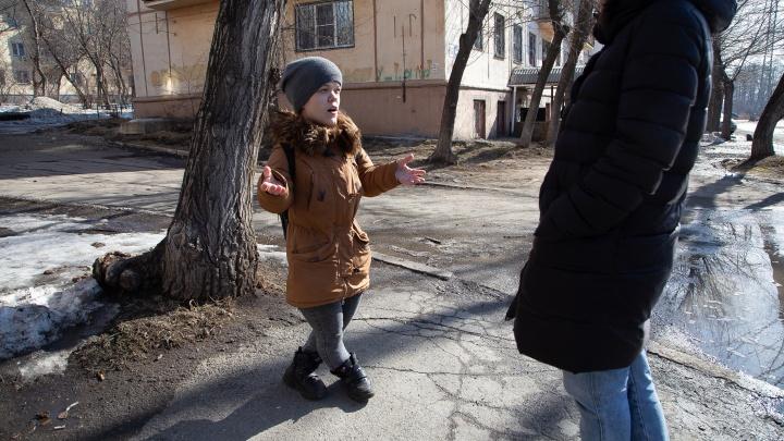 Милая Мила: девушка-карлик в Челябинске помогает бездомным, а сама не может получить квартиру