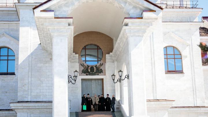 Благоустройство у Михаило-Архангельского собора должно быть завершено в июле. Фото из храма