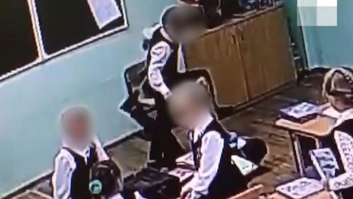 Полиция и СК не нашли виновных в избиении пермского школьника на уроке. Публикуем видео инцидента