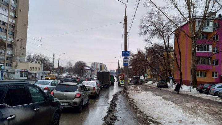 В Самаре на улице Ново-Вокзальной изменили схему движения транспорта