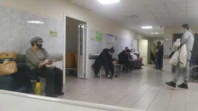 «Работаем в условиях военного времени»: главврач ответил на претензии бизнесмена о неудобствах в больнице
