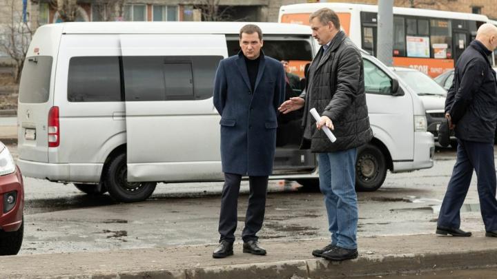 «Как будто война идет на улице»: Цыбульский раскритиковал Архангельск за дороги и грязь. Видео
