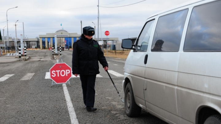 Власти Казахстана запретили въезд по российским паспортам из-за эпидемии коронавируса