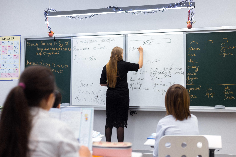 """Мария Владимировна Тарасова, учитель <nobr class=""""_"""">3-го</nobr> класса"""