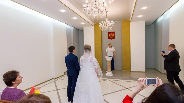 COVID-19 сорвал свадьбы: когда в Самаре возобновят церемонии бракосочетания