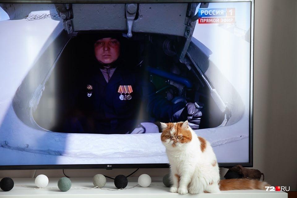 А так смотрели парад в Тюмени: для тех, кто в танке