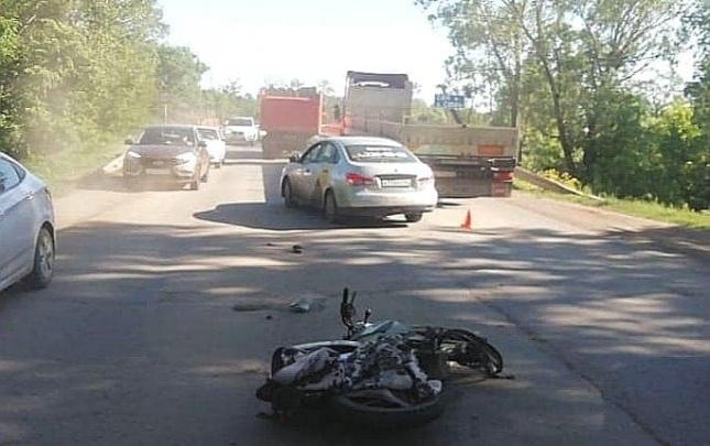 Появилось видео смертельного ДТП под Уфой, в котором погиб мотоциклист