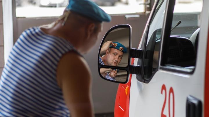 «Лучше бегать по горам, чем чеканить шаг по Красной площади»: честный разговор с десантником, ставшим пожарным