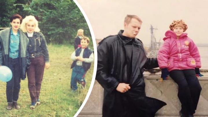 В пиджаках и кроссах: 25 лихих снимков, как люди одевались в 90-е (хорошо, что не было соцсетей)