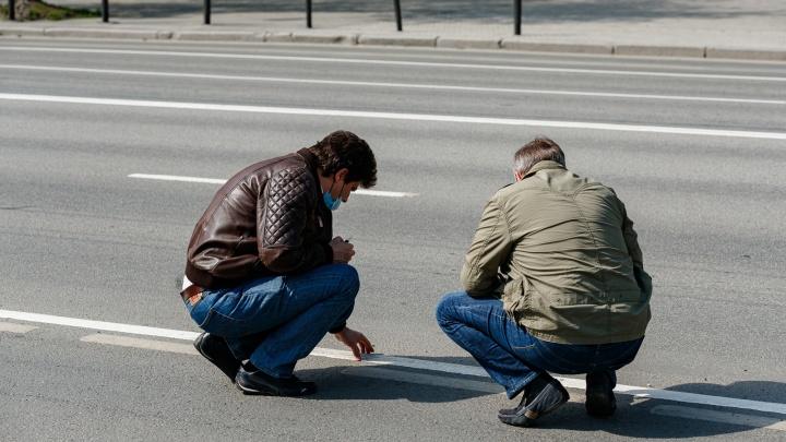 Помойте это немедленно: как мэр Екатеринбурга проверял уборку города и критиковал глав районов