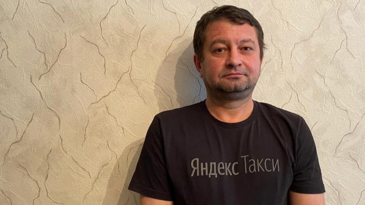Глухой водитель из Уфы утверждает, что его заблокировали в «Яндекс.Такси», когда он не ответил на звонок диспетчера