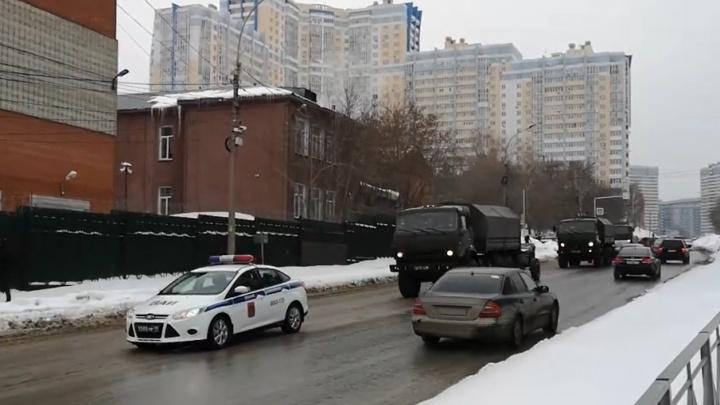 Новосибирск готовится к запуску 800 фейерверков: где и когда начнётся салют в честь 23 Февраля