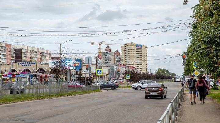 «Кто-то должен извиниться»: проспект Машиностроителей начнут ремонтировать только зимой