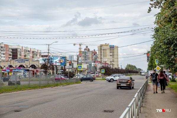 Проспект Машиностроителей по контракту должны отремонтировать до августа следующего года